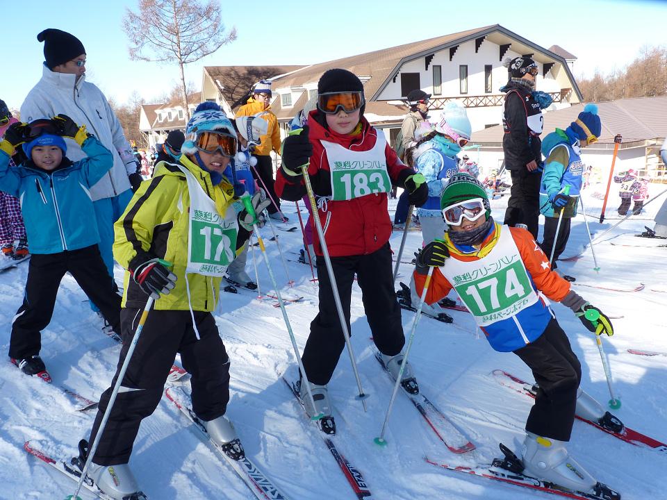 【初級・中級】冬休み・蓼科スノーキャンプ(雪遊びとスキーコース)
